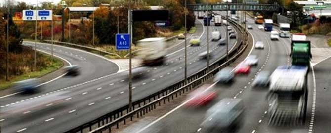 The Risks of Using Your Mobile Phone Whilst Driving